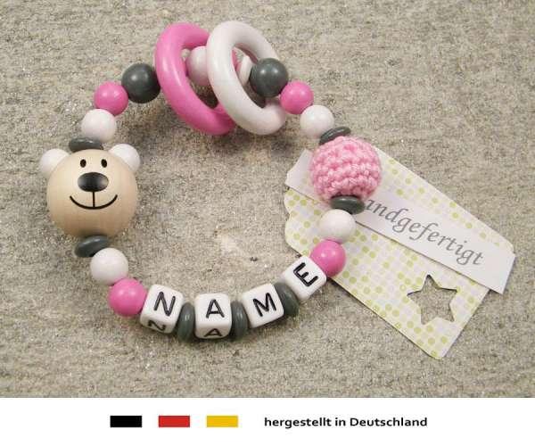 Greifling geschlossen mit Namen – Bär in weiss pink