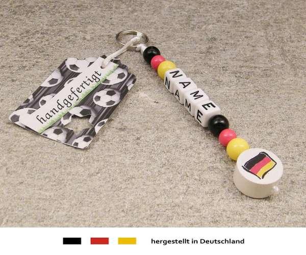Anhänger mit Wunschnamen Motiv Fussball Deutschland Flagge in schwarz, rot, gold